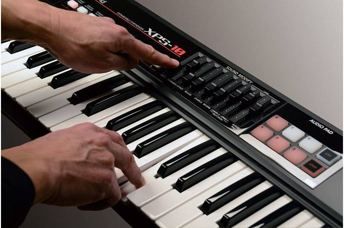 teclados roland