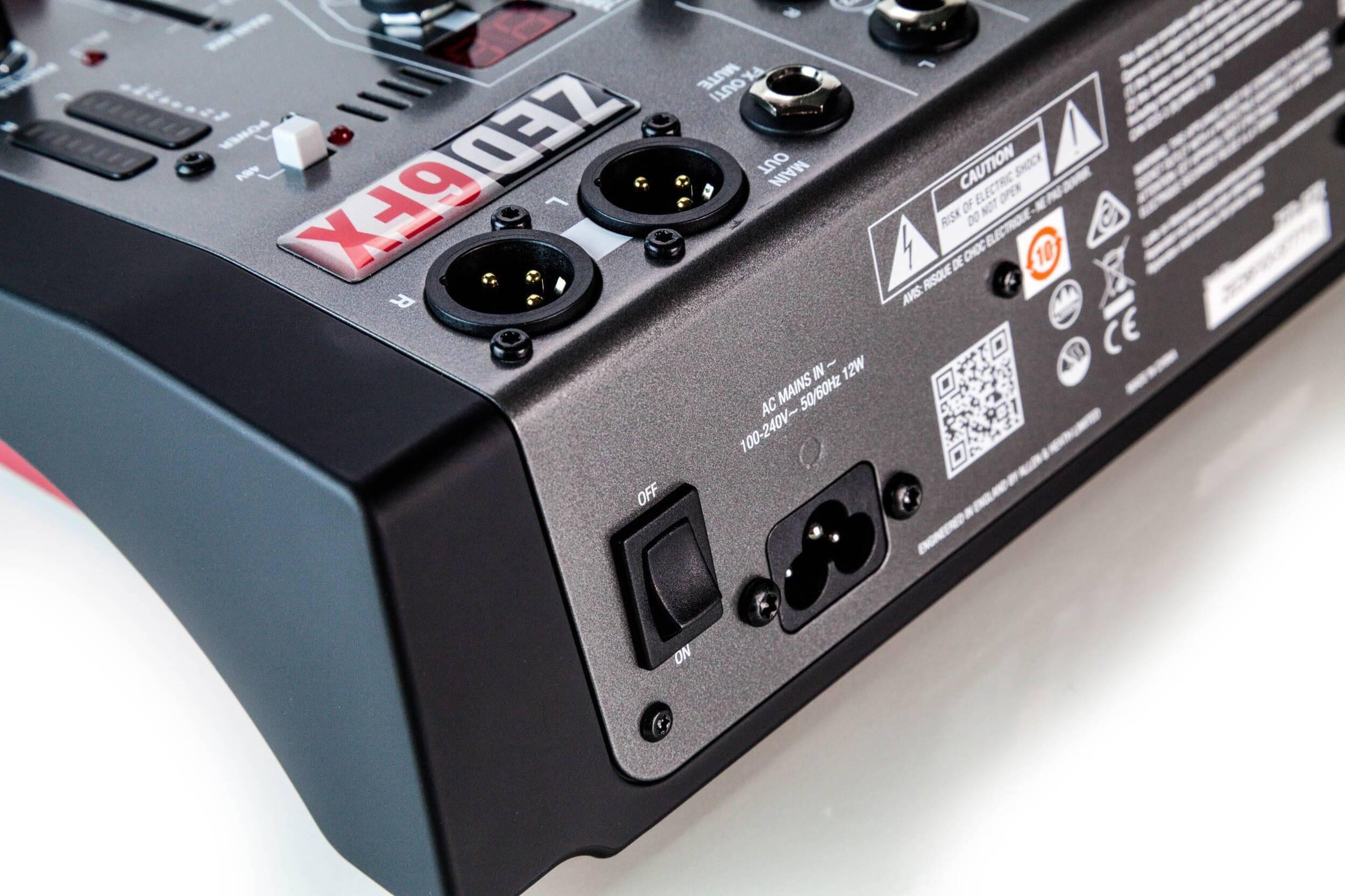 Mezcladora Análoga ZED-6FX Allen & Heath