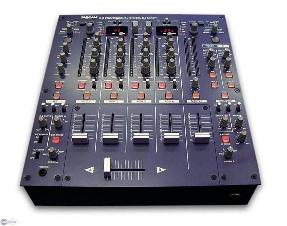 Mezcladora Tascam X-9 de 4 canales