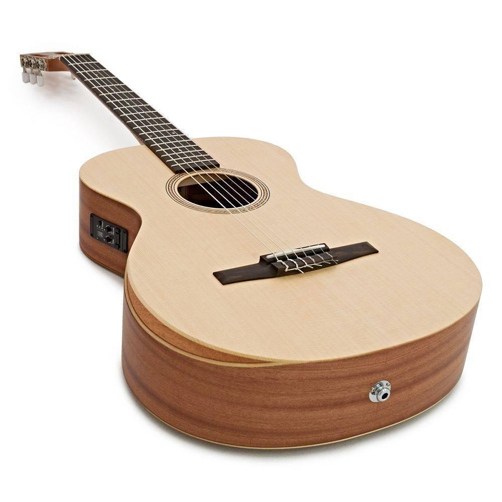 Guitarra Taylor Academy 12e-N cuerdas Nylon