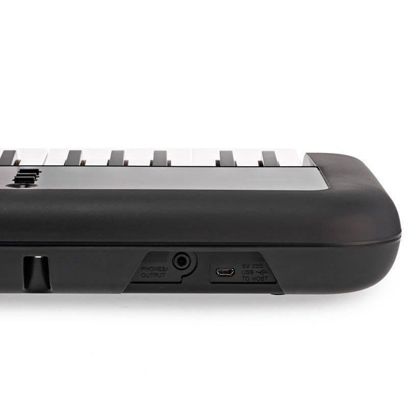 Teclado Yamaha PSSA50 con MIDI USB