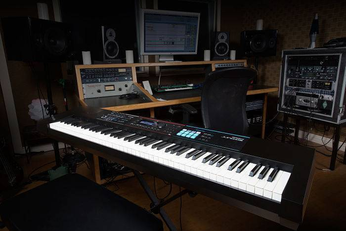 Sintetizador con Sampler Roland JUNO-DS88