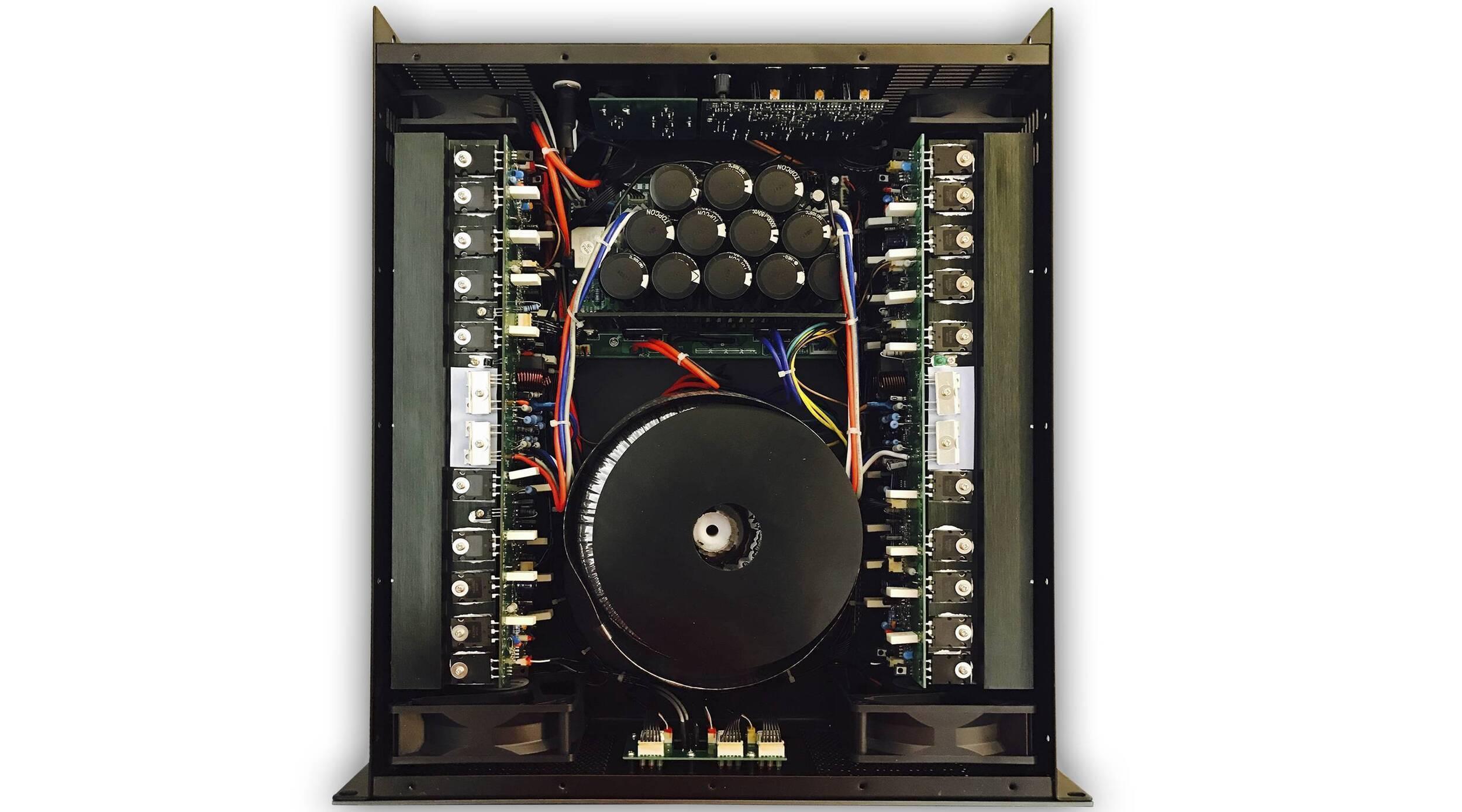 H-6400 AMPLIFICADOR DE 3 CANALES HIGH LINE