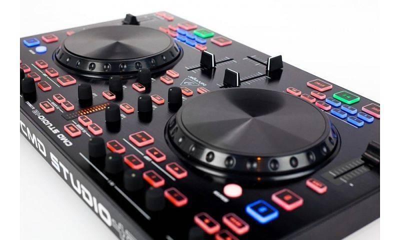 Controlador DJ Behringer CMD STUDIO 4A