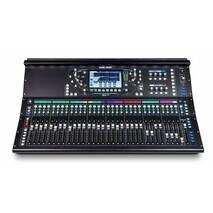 Consola compacta para audio en vivo, estudio y grabacion SQ-7